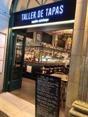 Taller de Tapasというお店。地球の歩き方に載ってたからか日本人もちらほら。
