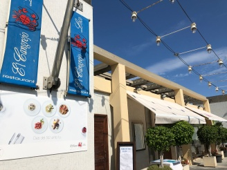 El Cangrejo Locoというお店。海が見える席が良い方は階段をあがって上の方から入りましょう。